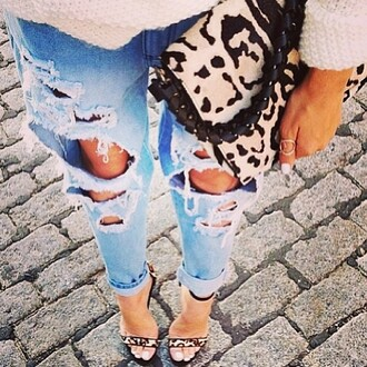 bag purse shoes leopard print clutch leopard print ripped boyfriend jeans