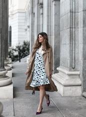 dress,floral dress,mini dress,blue dress,coat,shoes,pumps,trench coat