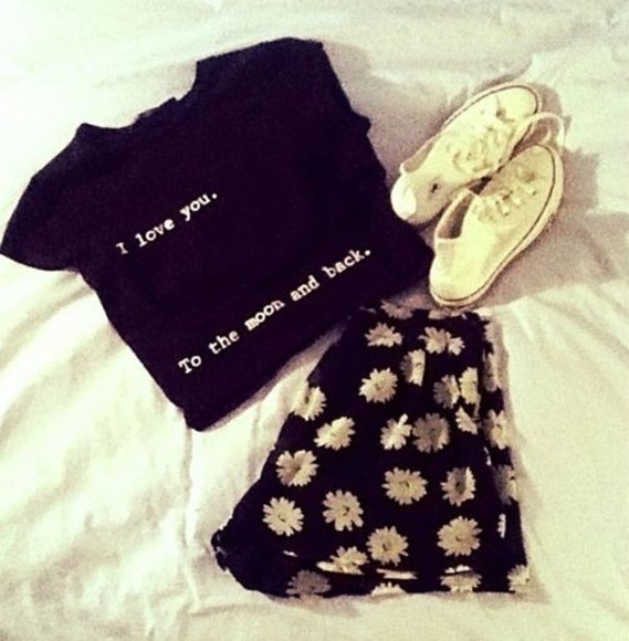 shirt shoes black the top you and skirt floral floral skirt flower skirt flower moon ily i love you to the moon andback moon and back i love you to the moon and back black skirt black shirt black top