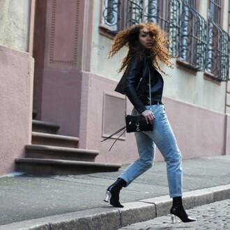 from hats to heels blogger shoes leather jacket shoulder bag