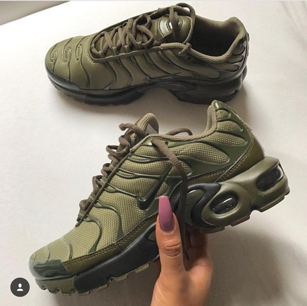 nike air max plus tn olive