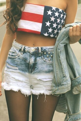 shorts hot pants ombre dip dyed studs studded summer girl love denim white american flag shirt july 4th red blue crop tops american hipster stars vintage beautiful jeans flag american flag crop top bandeau ombre shorts ombré studded shorts acid wash piercing crop tank strapless top tank top top usa swag style pretty short nice girly mini shorts american shirt red white ands blue