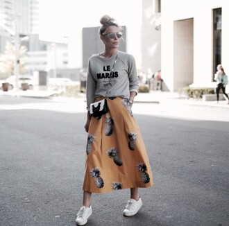 sunglasses silver sunglasses grey sweater black and white bag dior sunglasses mirrored sunglasses skirt maxi skirt printed skirt sweatshirt sneakers white sneakers fall outfits streetstyle bag crossbody bag dior so real sports sweater graphic sweatshirt