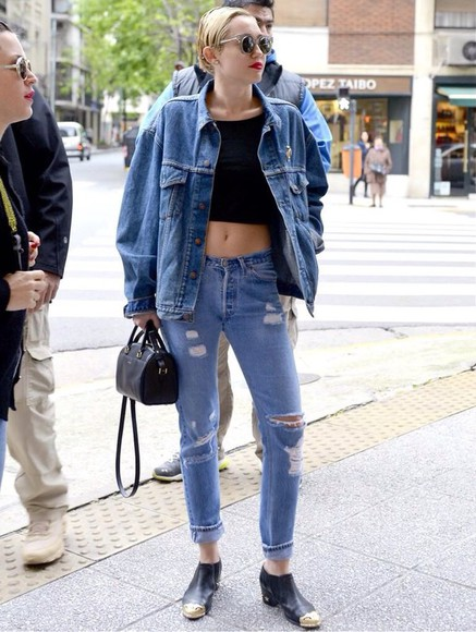 bag tote bag black bag handbag jeans miley cyrus top black top black crop tops denim denim jacket double denim black shoes miley cyrus miley cyrus shirt miley cyrus sweatshirt black crop top denim shirt denim jacket vintage coat ripped jeans denim ripped pants denim ripped jeans studded boots
