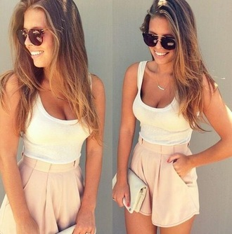 shorts light pink pockets tank top bag pink sunglasses neutral nude white cute casual blonde hair skirt beige shorts beige dressy dressy shorts crop tops handbag rayban necklace high waisted