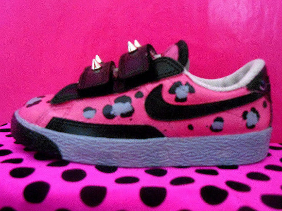 shoes spike leopard nike blazer nike blazers hot pink black grey