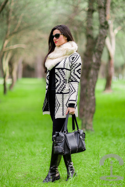 crimenes de la moda blogger jacket scarf tribal pattern