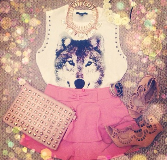 necklace shoes summer outfits t-shirt shirt white top crop tops wolf print pattern shorts High waisted shorts pink style