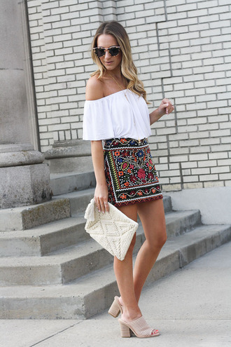 twenties girl style blogger skirt top sunglasses jewels bag off the shoulder top clutch mules spring outfits