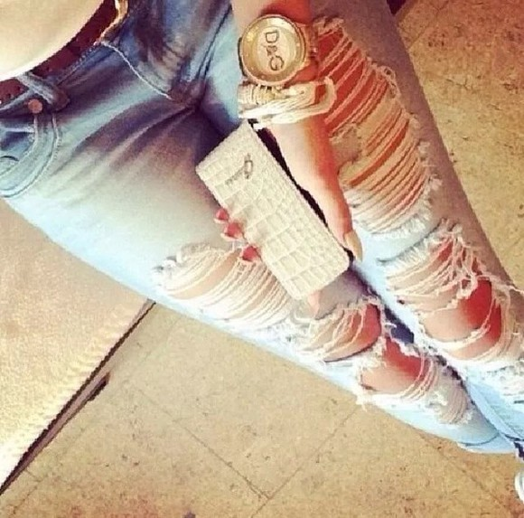 jeans distressed jeans high heels ripped jeans denim destroyed jeans style skinny pants jewels Belt t-shirt nude sun party summer outfits gold sequins dolce and gabbana
