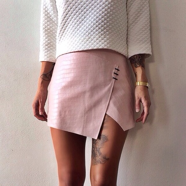 skirt pink texture top leather skirt hipster instagram alternative pink skirt quilted white sweater fashion inspo on point clothing trendy trendy dope blogger popular sweater rad skorts cute light pink light mini skirt chic style model tumblr summer trendy fashion summer accessories moto moto skirt muave muave skirt indie grunge dusty pink snake print spring