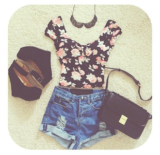 shirt floral floral crop top crop tops black floral black pumps wedges cute outfits summer pretty pretty outfit cute girly shorts jewels shoes bag