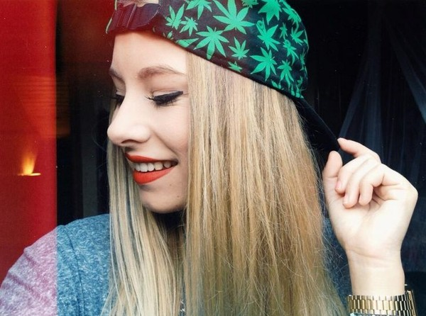 hat hipster vans skater weed weed drugs cigar hoodie sweats marijuana leaves smoke