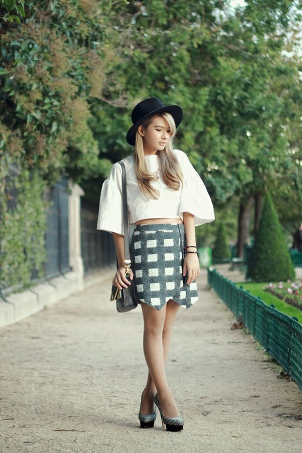brown platform t-shirt skirt bag hat shoes