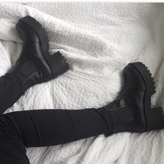 shoes black boots boots black black shoes cute hipster grunge shoes grunge high heels high cute shoes cute boots crazy