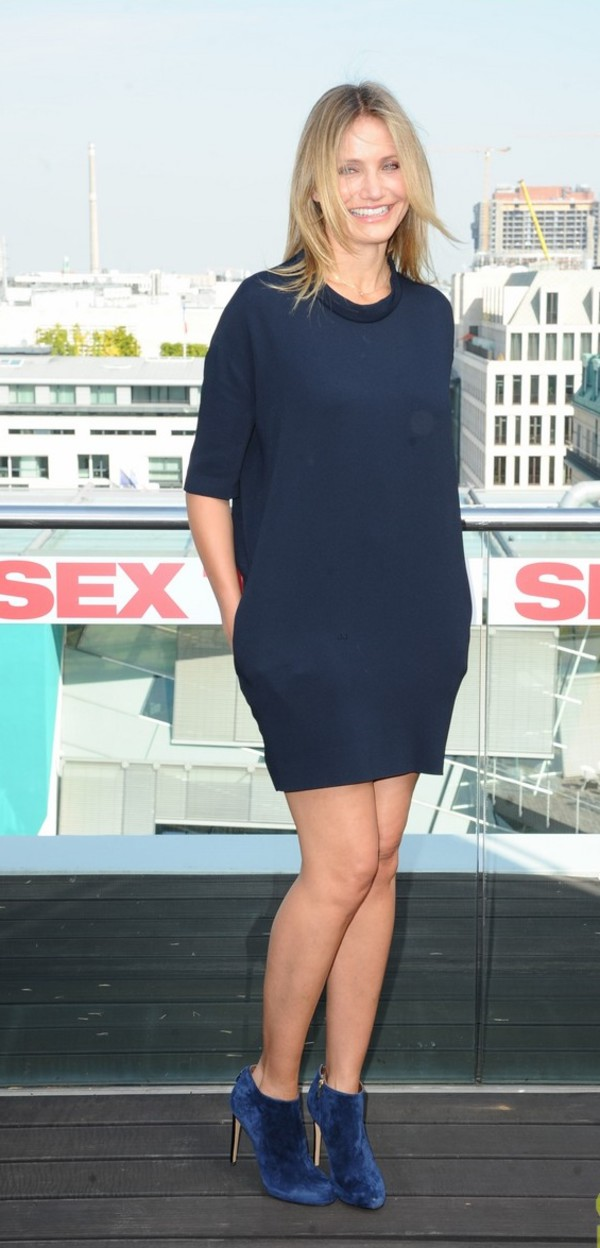 dress cameron diaz blue dress boots shoes shift dress