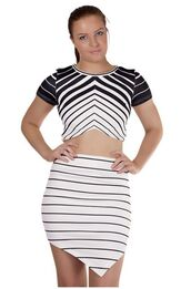 top,monochrome shirt,black and white,crop tops,stripes,short sleeve,ustrendy