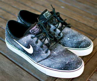 shoes sneakers nike nike running shoes nike shoes janoski nike janoski's nike janoski galaxy galaxy nikes galaxy sneakers