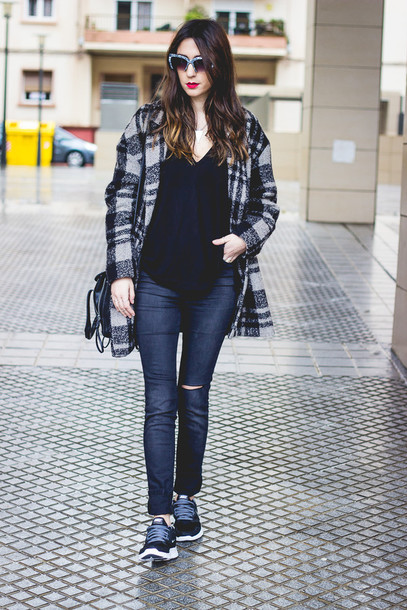 shoes and basics blogger coat sunglasses ripped sneakers