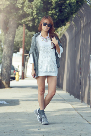 jullianne blogger top jumper statement necklace sunglasses knitted sweater