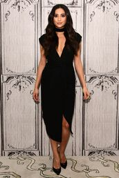 dress,slit dress,choker necklace,shay mitchell,pumps,black dress,midi dress,plunge dress,plunge neckline