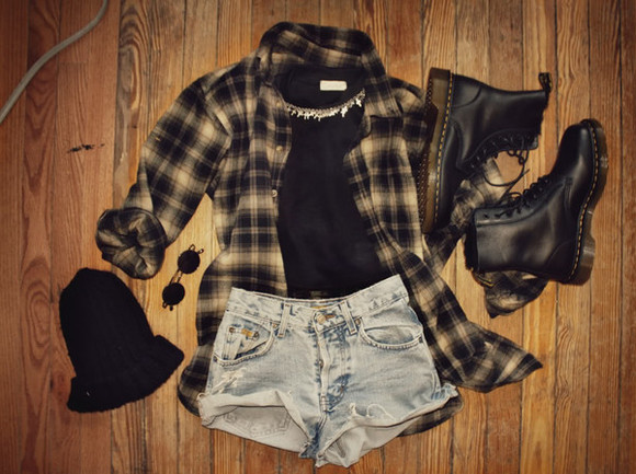 jacket hipster shirt vintage flannel shirt checked shirt shorts t-shirt dr martens black dr martens DrMartens black doc martens jewels levis shorts vintage shirt sunglasses beanie le happy blouse