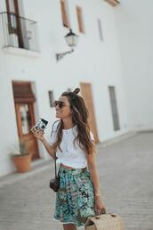 b a r t a b a c,blogger,t-shirt,skirt,shoes,bag