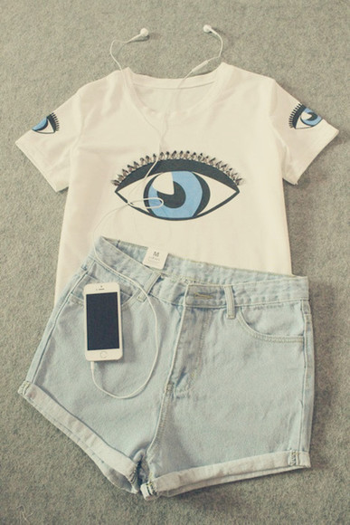 eye shirt white t-shirt blue shorts
