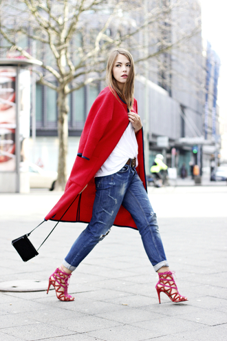 gold schnee blogger ripped jeans red coat red heels coat shirt jeans shoes bag