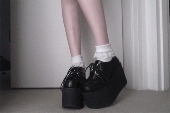 shoes platform shoes black goth fashion soft grunge grunge pale pastel goth creepers fashion shoes cute tumblr tumblr shoes