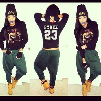 pants boots timberlands ankle boots green dark green harem pants harem baggy pants baggy pyrex sweater sweatshirt beanie swag girl swag swagg dope streetstyle street street style streetwear streetfahion shirt shoes green pants t-shirt 23 jaggy