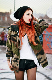 le happy,camouflage,camo jacket,studs,jacket,coat,vintage camouflage jacket,camouflage military jacket,red hair,ombre hair,long hair,beanie,black beanie,red lipstick,lipstick,studded,studded jacket,customized,white top,hoodie,shorts,leather shorts,black shorts,swag