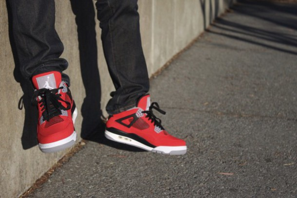 shoes sneakers jordans jordans red grey black shoes shorts black 23 toro jordan nike nike air air jordan's retro style swag fashion jeans het on feet