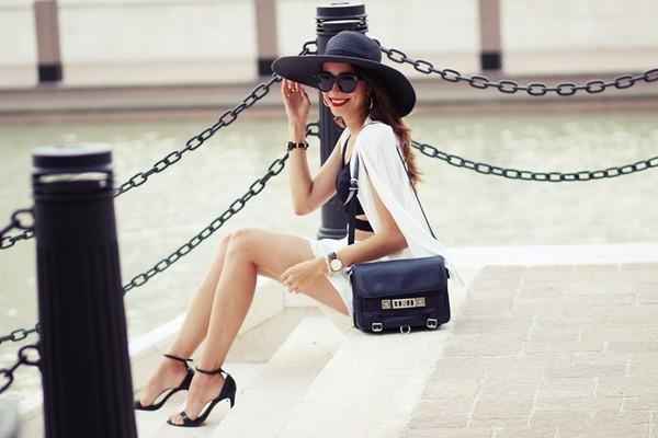 preppy fashionist blogger sunglasses top jacket bag jewels make-up felt hat shorts