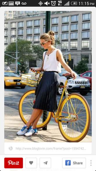 high waisted skirt dress shirt skirt black fashion pleated skirt white tank top