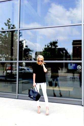 krystal schlegel blogger top jeans shoes sunglasses
