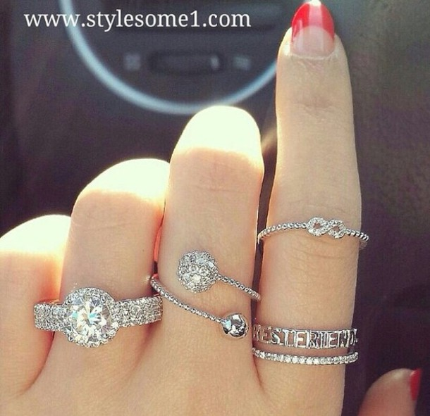 jewels mean girls jewelry rings and tings ring glitter glamgerous red tumblr girl bad girls club