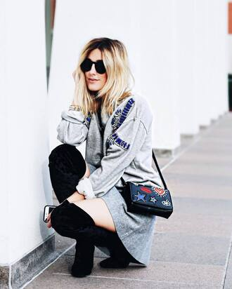sweater tumblr sweatshirt grey sweater embellished bag black bag embroidered skirt mini skirt grey skirt boots black boots over the knee boots sunglasses black sunglasses fall outfits