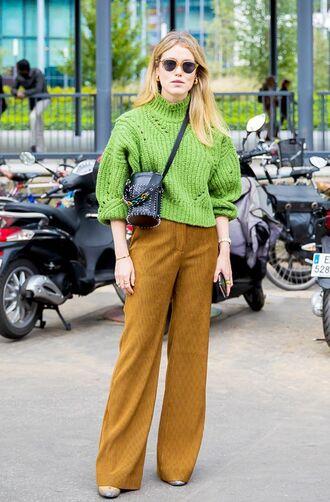 sweater tumblr turtleneck turtleneck sweater knit knitwear pants wide-leg pants mustard bag crossbody bag streetstyle