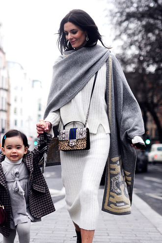 skirt knitted skirt white skirt midi skirt sweater white sweater scarf grey scarf bag printed bag animal print bag animal print streetstyle blanket scarf fall outfits