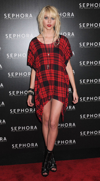 dress red oversize red shirt red dress plaid taylor momsen the pretty reckless shoes
