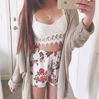 pants flowered shorts floral fashion crop tops
