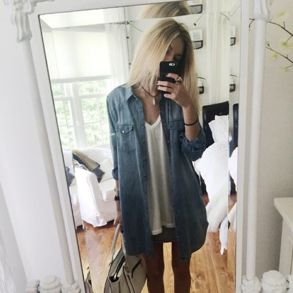 pale blouse grunge fall outfits hipster jeans indie leggings top accesory highwaisted High waisted shorts instagram weheartit twitter fall outfits photography iphone case sportswear gloves case blonde purse make-up iphonecase