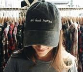 hat,this hat,tumblr,uh huh honey,grey,grunge,black,black hat,felt hat,black and white