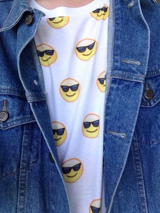 shirt skirt cool sunglasses emoji print t-shirt denim yellow white fashion jacket vintage smiley cool smile cool smiley sunglasses smiley yellow smiley denim jacket beyoncé beyoncé diva denim denim jacket smily jean jacket cool shirts white t-shirt