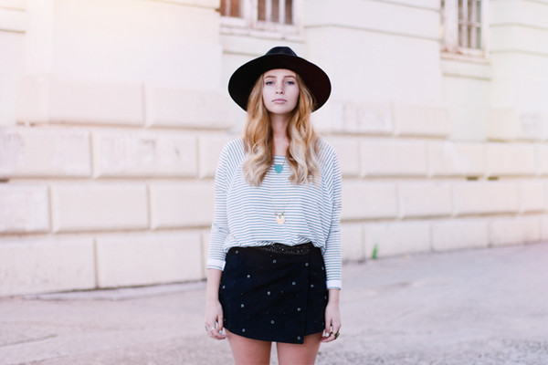 fancy pants skirt t-shirt hat jewels
