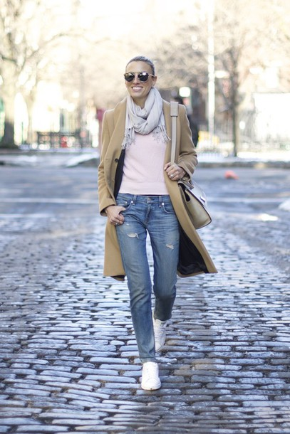mind body swag blogger sweater jeans coat sunglasses bag scarf shoes