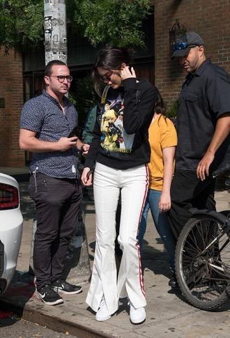 sweater sweatshirt streetstyle nyfw 2017 ny fashion week 2017 model off-duty kendall jenner kardashians sweatpants