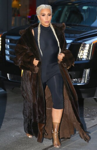 leggings top bodysuit kim kardashian coat fur coat fashion week 2016 streetstyle ny fashion week 2016 big fur coat transparent boots clear boots clear boxer braid
