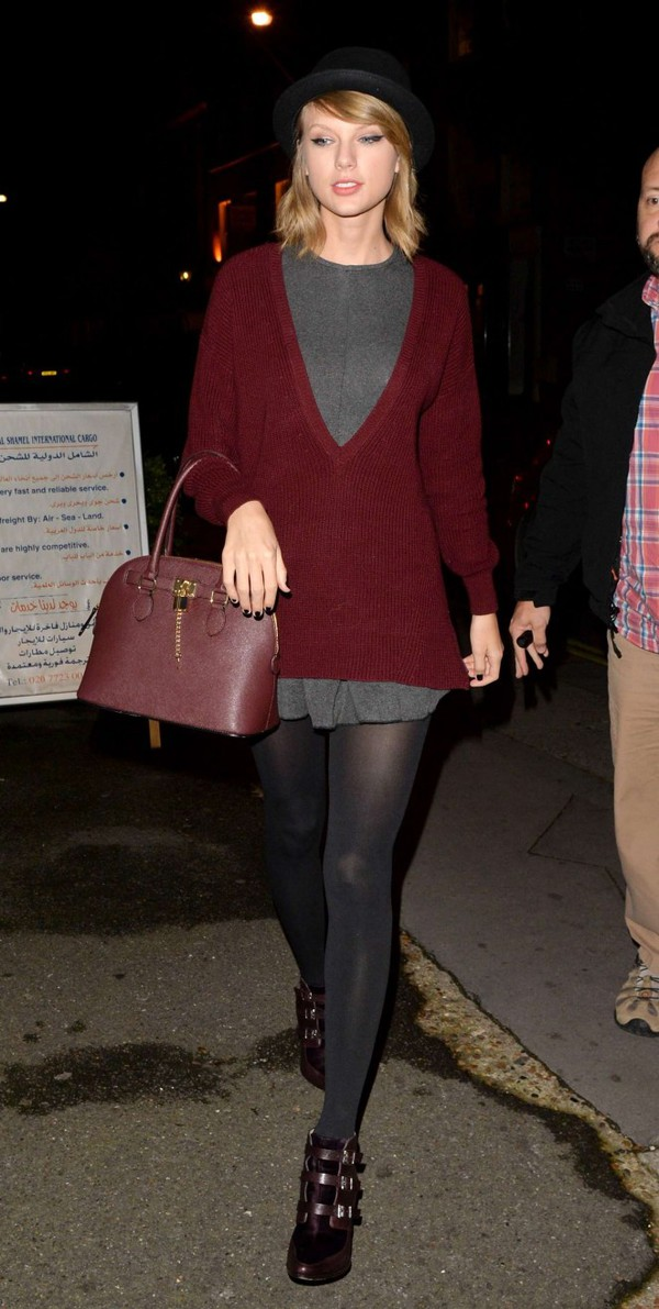 sweater boyfriend sweater taylor swift fall outfits shoes bag